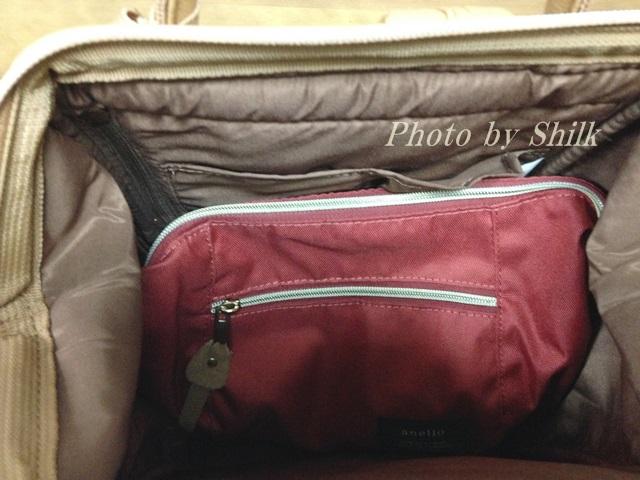 anelloのボディショルダーバッグ
