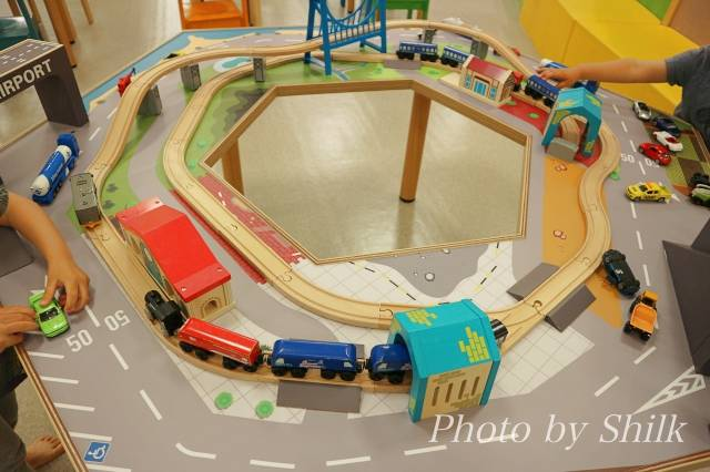 リニューアルしたキドキドテラスモール湘南店電車&車のコースの写真