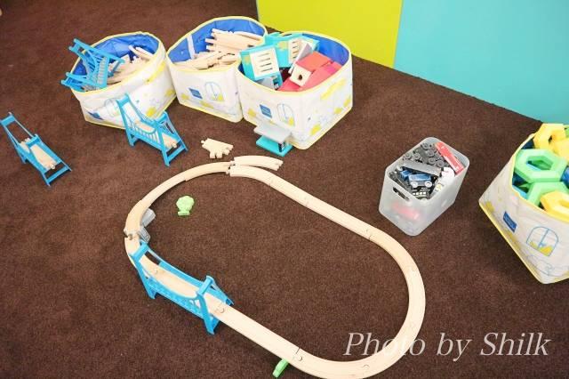 リニューアルしたキドキドテラスモール湘南店木の電車のコースの写真