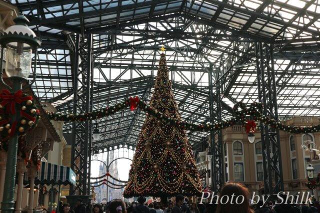 ディズニーランド2017年のクリスマスツリー
