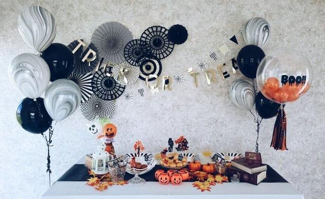 ハロウィンモノトーンの飾りつけ
