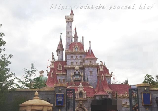tdl美女と野獣のお城正面の写真