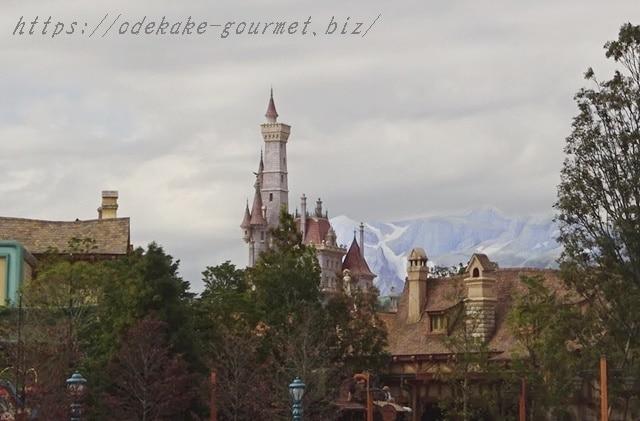トゥーンタウン方面から見た野獣の城の写真