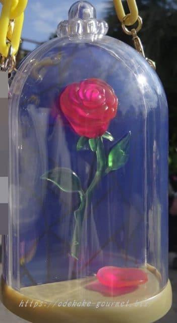 TDL赤い薔薇のスナックケースの写真
